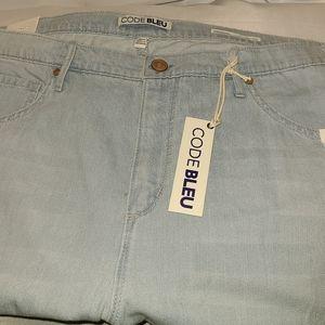 CODE BLEU 18W Plus Size Capri Pants